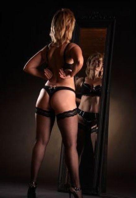 Elvira50 - Beim Sex sehr wild!