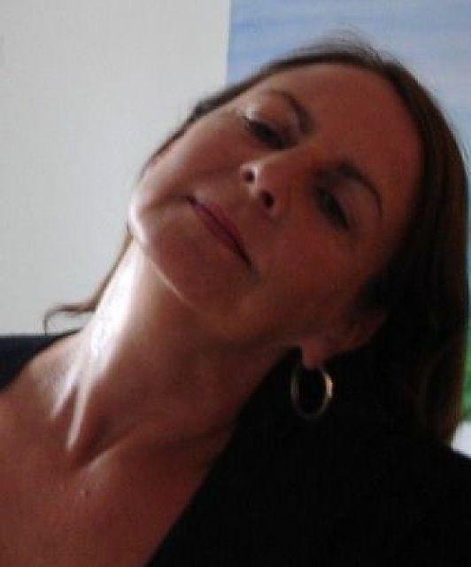 Philosophia58 - Dominante Frau mit Geld und spitzer Zunge!
